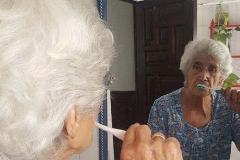 Autonomía personas mayores en la Residencia Aurora en Nervión Sevilla