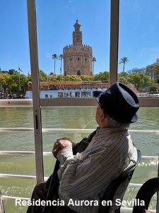 Excursión por el Guadalquivir, actividad Residencia Aurora en Sevilla