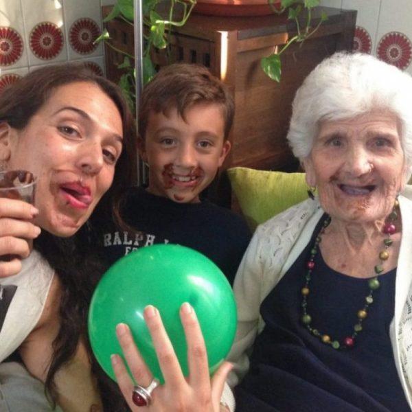 Chocolateando en la Residencia para mayores Aurora en Nervión Sevilla